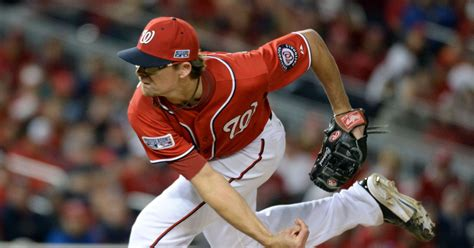 A's get Tyler Clippard from Nationals for Yunel Escobar