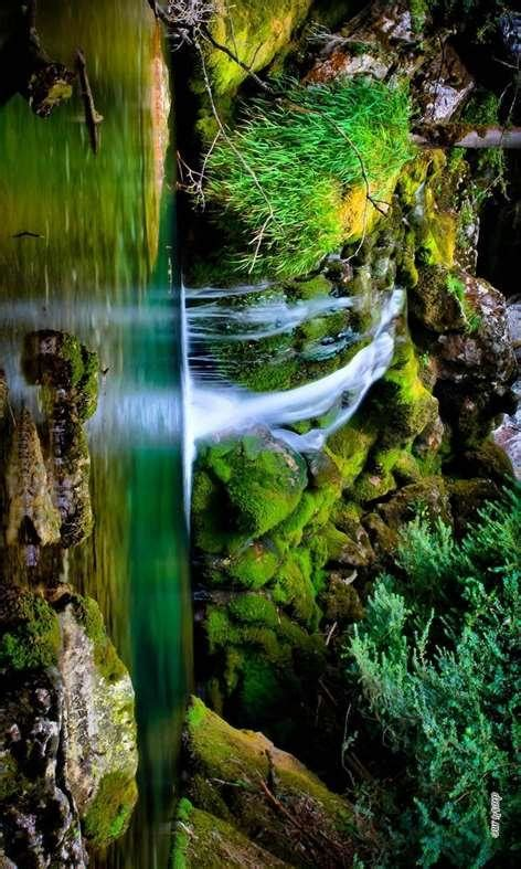 Waterfall Wallpaper for Windows 10 - Free download and