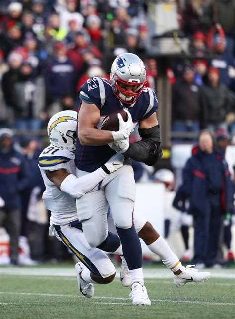 Rob Gronkowski at the Super Bowl: His girlfriend, salary