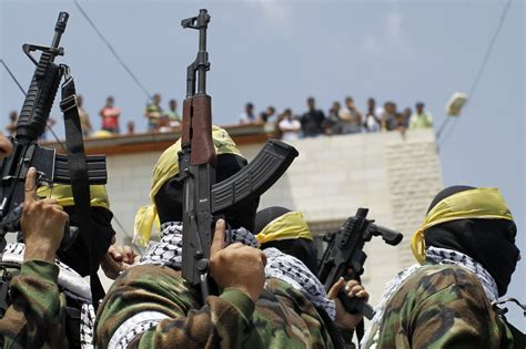 Spectators to War, West Bank Residents Hail the Hamas